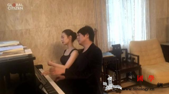世界卫生组织举办线上抗疫演唱会_世界卫生组织-钢琴家-肺炎-泰勒-