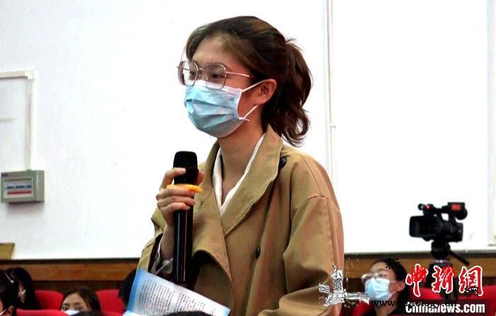 """西藏税务人为当地大学生解""""税""""事助力_西藏自治区-西藏-普法-"""