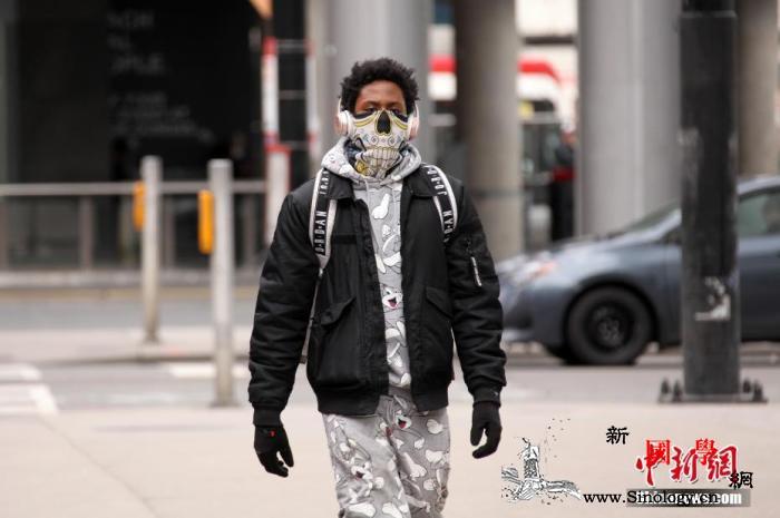全球战疫:加拿大累计病例逾8万官方首_加拿大-佩戴-口罩-