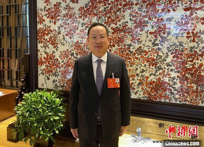 陈仲尼:中国要以更大力度的改革开放应_香港-仲尼-受访者-