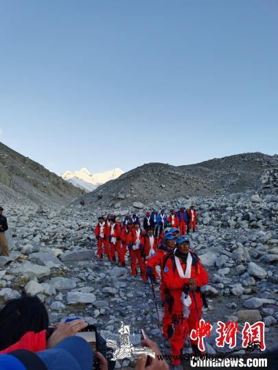 2020珠峰高程测量登顶测量阶段圆满_登山队-珠峰-海拔-