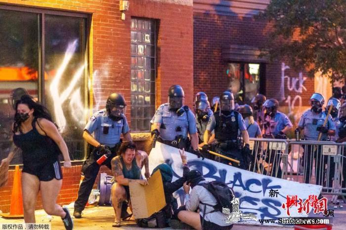 抗议者占领美明尼阿波利斯市警局当局忧_明尼苏达州-抗议者-美国-