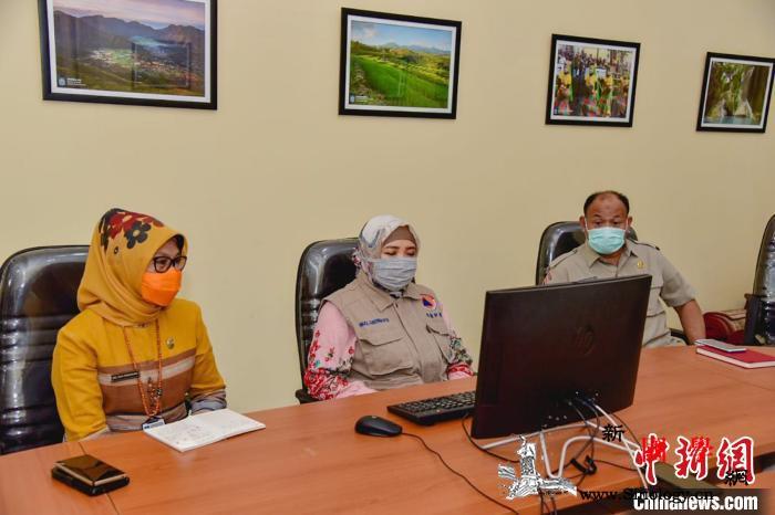 中领馆向印尼西努省捐赠抗疫医疗物资_印尼-疫情-图为-