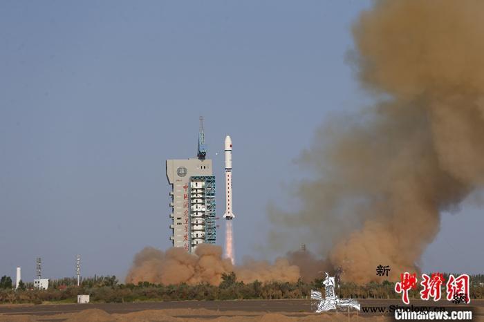 中国成功发射试验六号02星_长征-运载火箭-画中画-