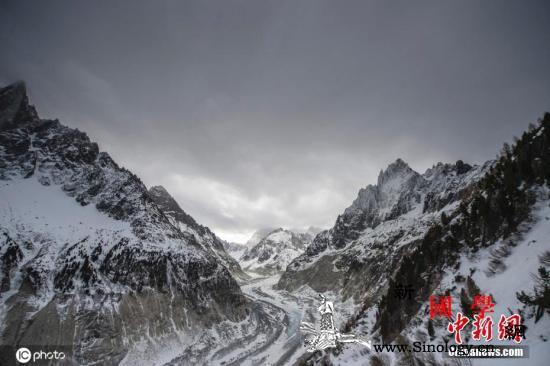 意大利勃朗峰冰川恐发生崩塌当局已疏散_普兰-冰川-勃朗-