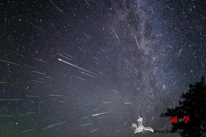 英仙座流星雨今晚光临地球原来它有个_天象-天文馆-明斯克-