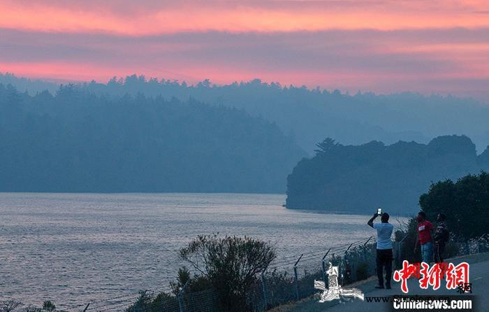 山火持续蔓延美国加州进入紧急状态_加利福尼亚州-旧金山湾-加州-