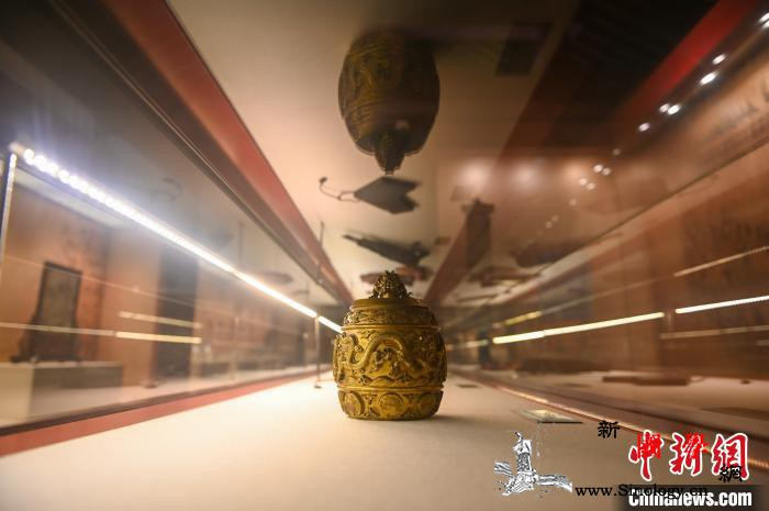 沈阳故宫展出150余件清代宫廷御用品_乾隆-故宫-御览-御用-