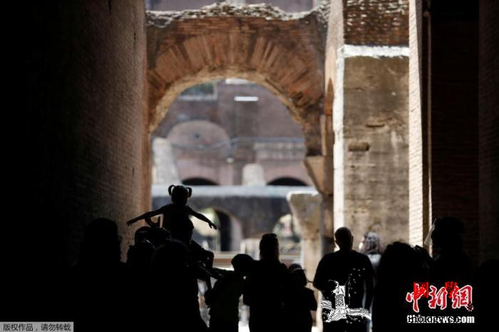 意大利伦巴第超2700名教职工确诊新_感染率-伦巴-罗马-