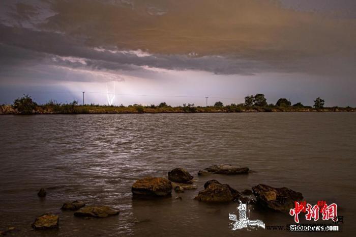 """""""飓风级""""气旋风暴侵袭希腊多地停电停_法利-希腊-雅典-"""