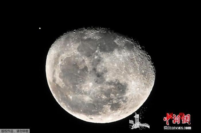 NASA公布280亿美元登月计划20_哥伦比亚-宇航员-月球-