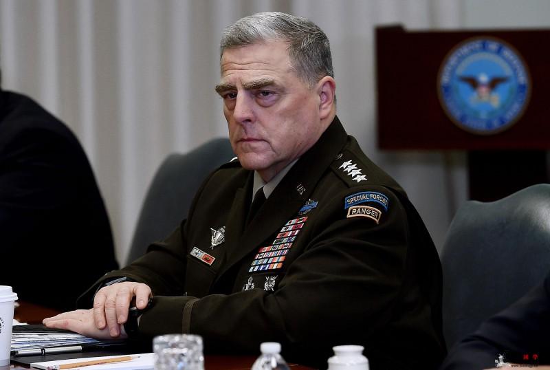 曾与新冠肺炎确诊患者接触美军最高将领_米尔-肺炎-美军-