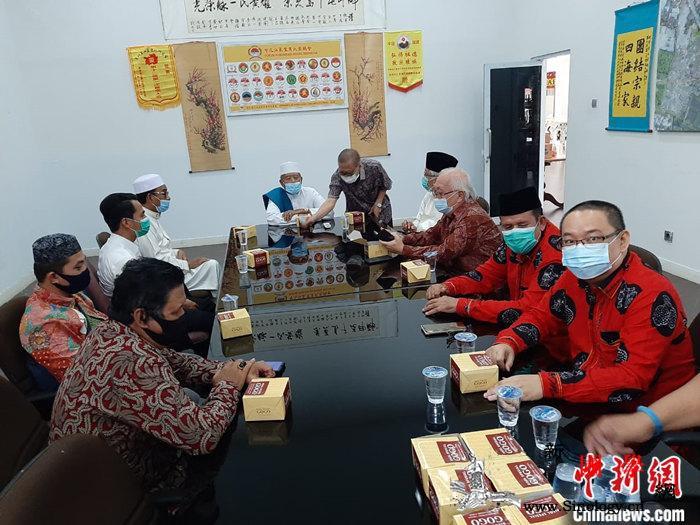 中国驻棉兰总领馆向印尼苏北省穆斯林团_苏门答腊-苏北-穆斯林-