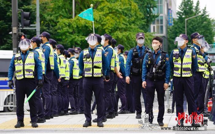 韩国下调防疫级别首都圈仍维持部分二级_严防-韩国-防疫-