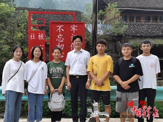 东部校长在西部:一开学60多个学生_台江-台江县-县里-