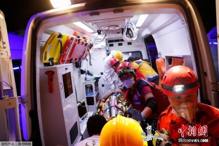 爱琴海海域强震致土耳其39人遇难88_爱琴海-土耳其-海啸-