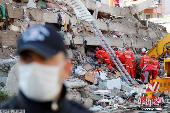爱琴海强震致53死土耳其七旬老人受困_爱琴海-土耳其-希腊-