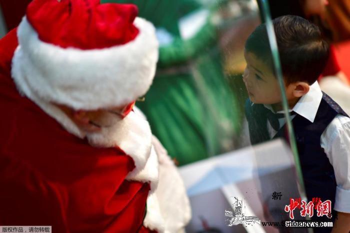 美国制药公司莫德纳将开始未成年人新冠_辉瑞-美国-圣诞老人-