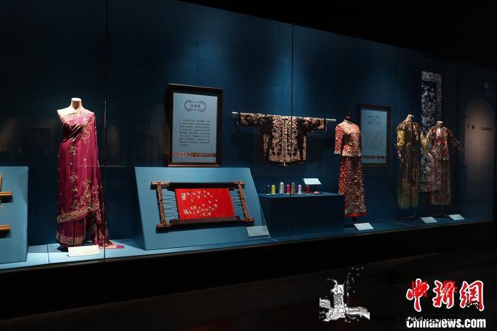 粤港澳明清时期丝绸等211件展品亮相_广绣-广东省-展品-丝绸-
