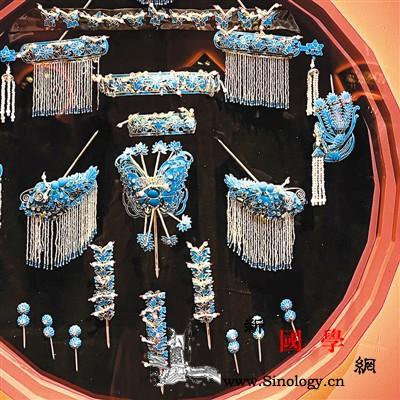国博新展回顾中国戏曲教育70年_头面-褶子-戏曲-树人-