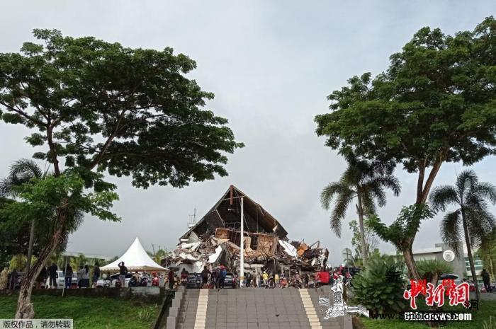 印尼强震已42人遇难千人流离失所或有_印尼-损毁-苏拉-