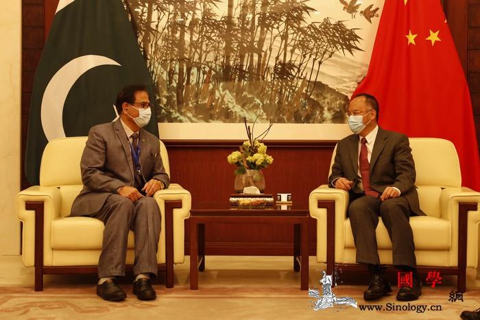 中国驻巴基斯坦大使出席中国武术协会援_巴基斯坦-交接-武术-器材-