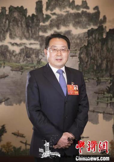 全国人大代表何大春:完善林业碳汇交易_长江-林业-湖北省-