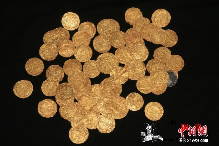 惊喜!法国老屋翻修发现金条与金币价值_金条-法国-欧元-