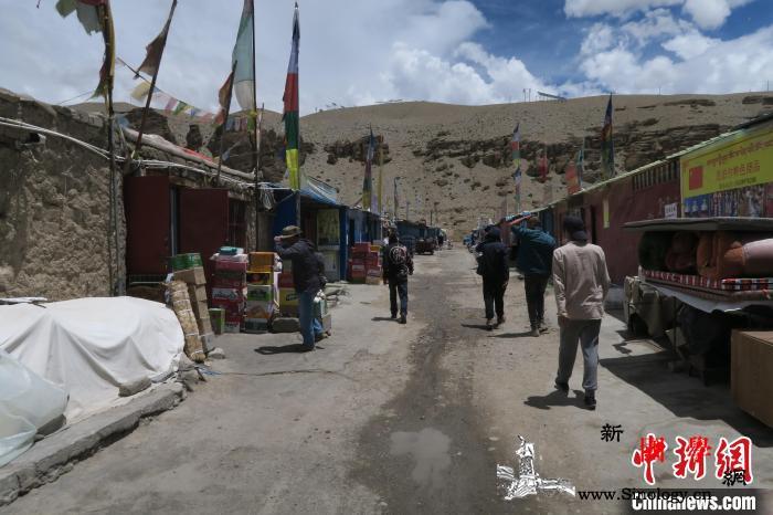 中尼边境小城普兰:等疫去、待客来_普兰-普兰县-尼泊尔-