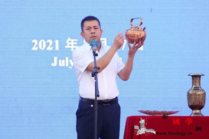 手工铜器老手艺带来致富新收益_喀什-铜器-维吾尔族-
