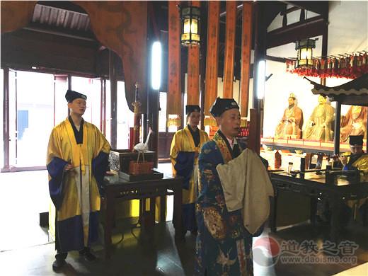 江苏省苏州城隍庙举办斗姆元君圣诞法会