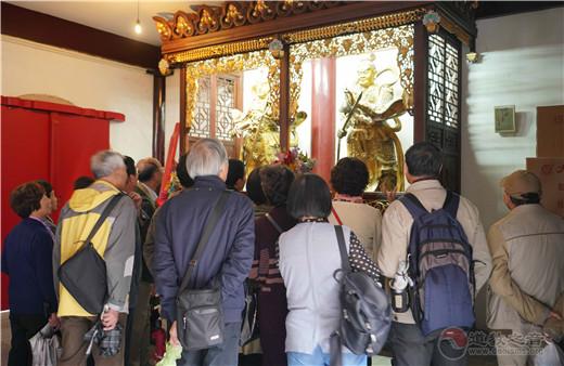 上海市老年大学文史班学员参访上海白云观