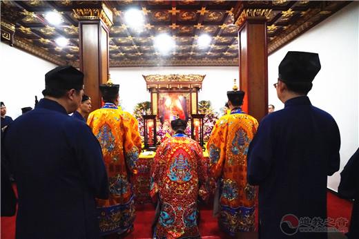 上海城隍庙隆重举行振玄真人陈莲笙大师神像安座开光法会