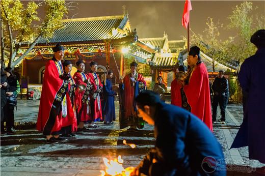 日照龙神庙举行寒衣节超度法会