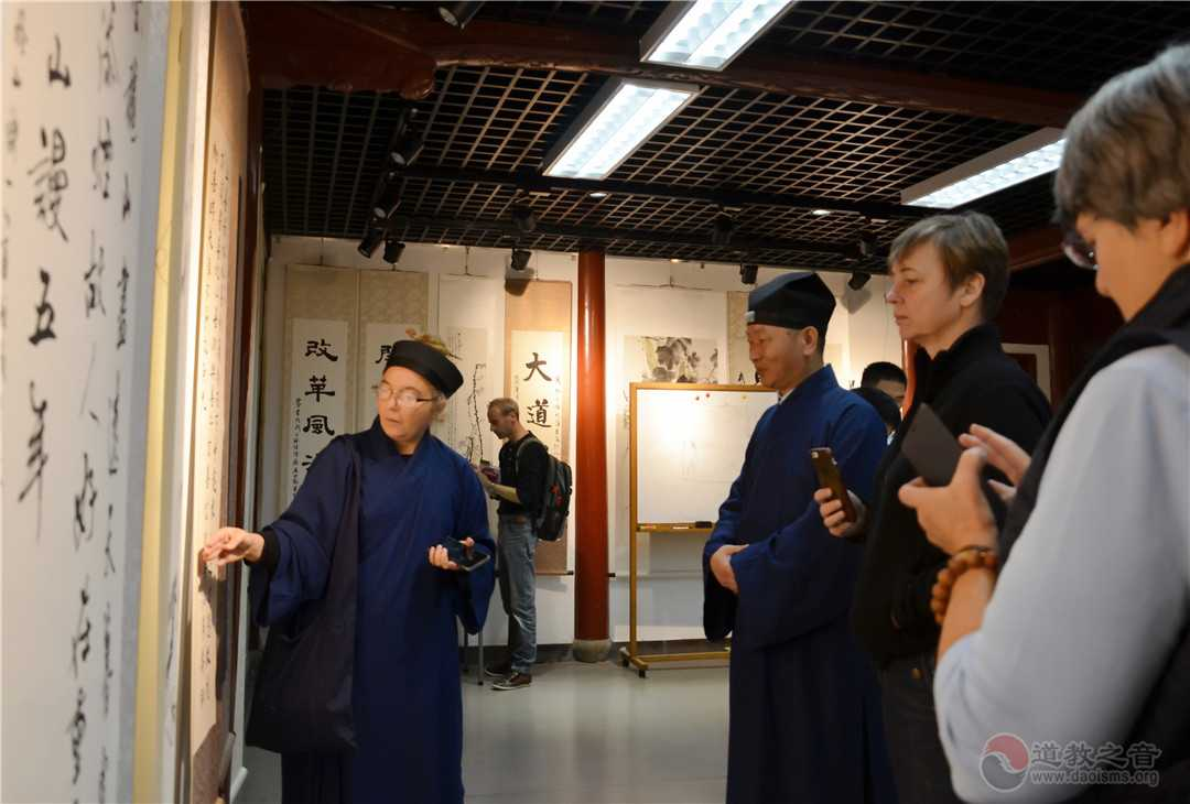 法国道协会参访上海白云观