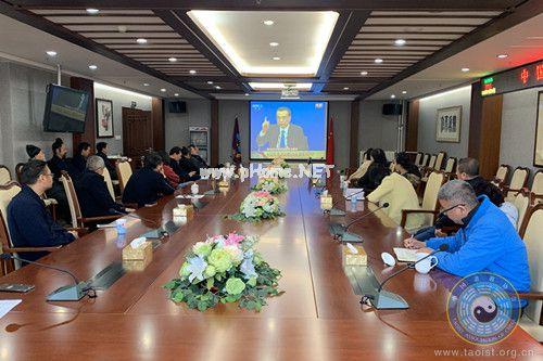 中国道教协会组织全体人员收看国务院总理李克强回答中外记者提问