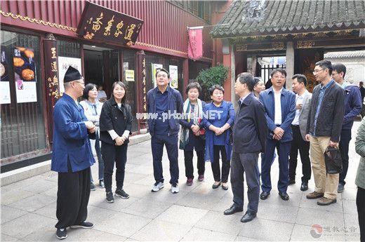 韩国釜山市红十字会代表团参访上海城隍庙
