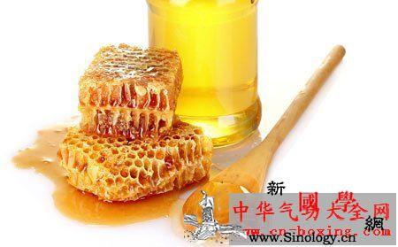 晚上喝蜂蜜水好吗_蜂蜜-胃液-胃酸-饭前-
