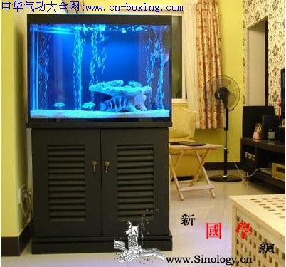 客厅鱼缸摆放风水_三星-鱼缸-摆放-炉灶-