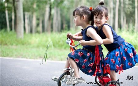 怀双胞胎多久能检查出来_早产-妊娠-胎儿-双胞胎-生男生女