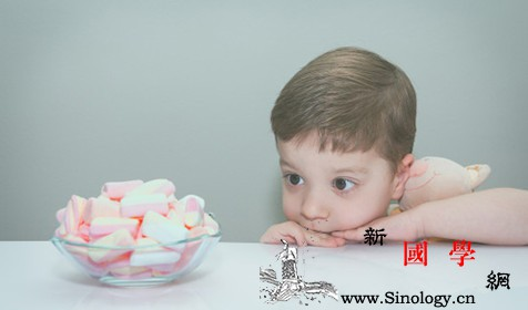 宝宝在玩耍中可逐步完善大脑的执行功能!这些游_鼓点-角形-孩子-指挥棒-