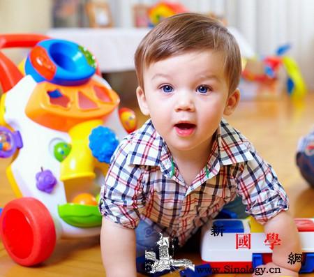 """""""玩具总动员""""这样玩让宝宝更聪明!_摇铃-家长-父母-玩具-"""