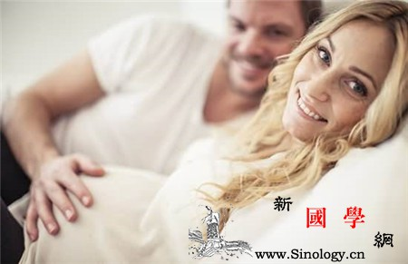 胎教贴到肚子上说话吗语言胎教的正确实施方法_胎教-胎儿-贴到-肚子-