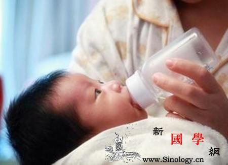 新生儿打嗝吐奶正常吗_打嗝-奶嘴-喂奶-吸入-