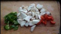 沙茶酱杏鲍菇_碳水化合物-主料-青椒-倒入-