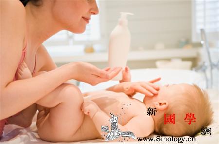 新生儿秋天可以用什么护肤品_婴幼儿-护肤品-秋天-皮肤-