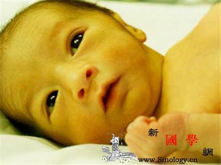 母乳性黄疸巩膜黄染吗_巩膜-胆红素-黄疸-母乳-
