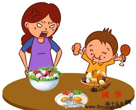 孩子的这两个坏习惯到底要不要纠正?众多妈妈都_纠正-习惯-抓饭-宝宝-