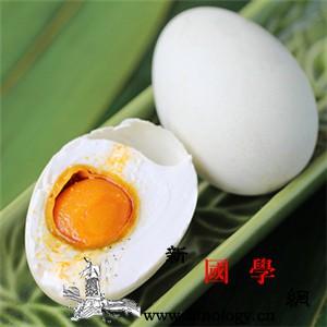 产妇可以吃咸鸭蛋吗_坐月子可以吃咸鸭蛋吗_避光-咸鸭蛋-腌制-产妇-