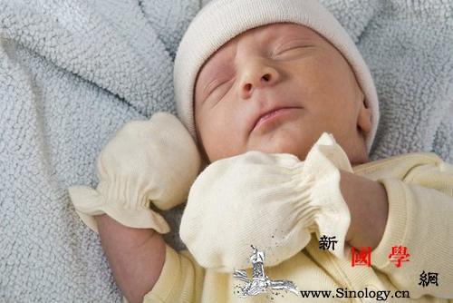 新生儿穿多大码的衣服_领口-袖子-上衣-衣服-